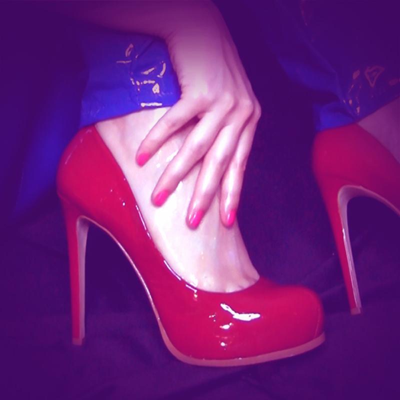 Clips Alexis Bandit Feet